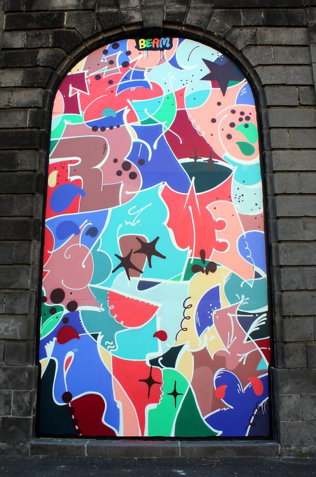 Graffiti Street art   Halle-au-blés 2018