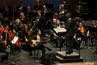 "Performing Joaquin Rodrigo's ""Concierto de Aranjuez"" with the Santa Cruz Symphony, conductor Daniel Stewart, 2015"
