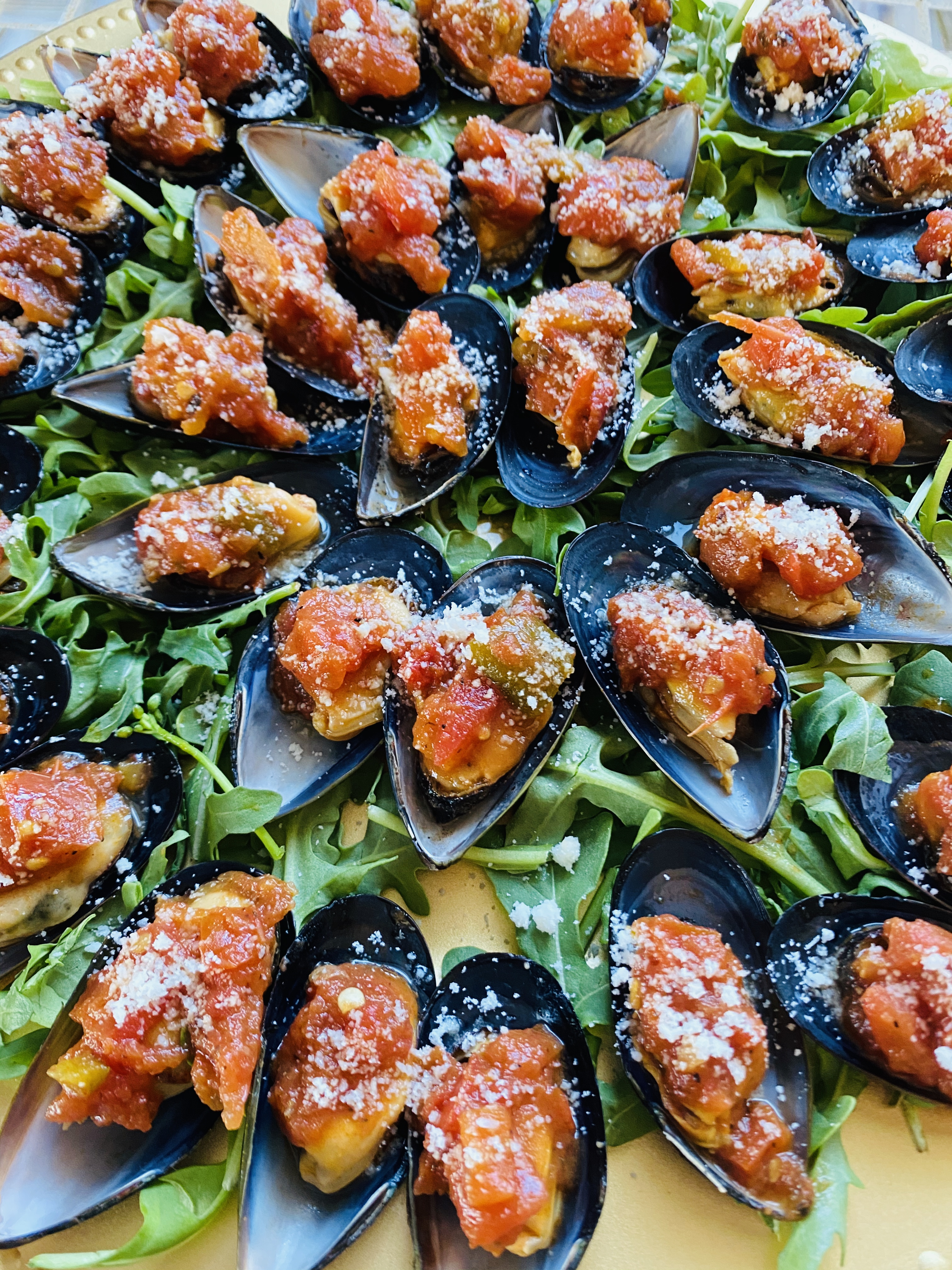 Mussels Fra Diavalo Shots