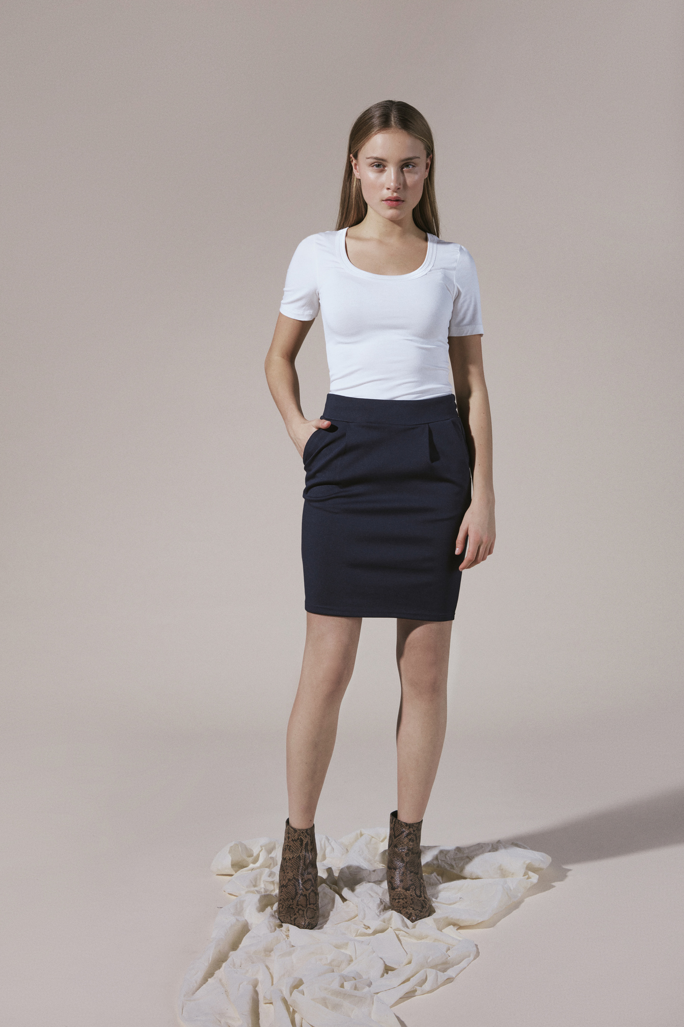 Falda azul marino Ichi kate para mujer (