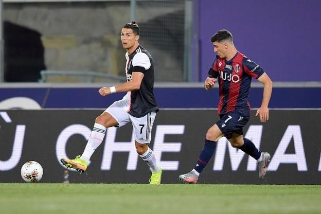 Ronaldo thi đấu năng nổ, liên tục khuấy đảo hàng thủ Bologna  JP88