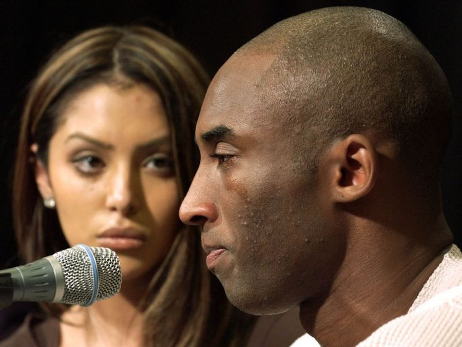 Rob Pelinka luôn bên cạnh Kobe trong vụ bê bối tình dục năm 2003 |JP88