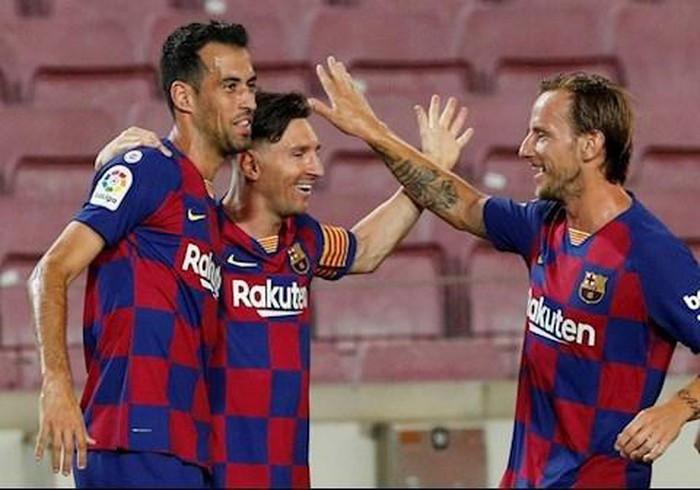 Messi chạm mốc 700 bàn  JP88