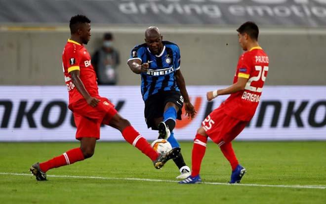 Lukaku (áo xanh thẫm) tỏa sáng trước Leverkusen |JP88