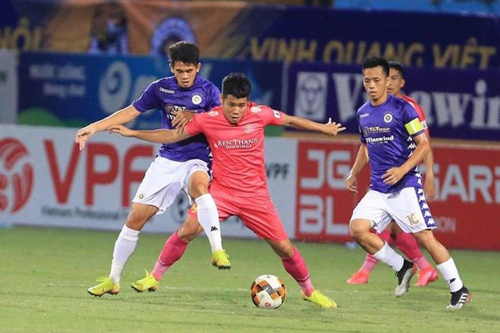 Sài Gòn FC (áo hồng) đang chơi thăng hoa tại V-League 2020 |JP88