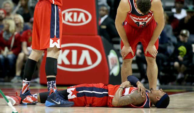Chấn thương vai đeo bám Bradley Beal cả mùa giải  JP88