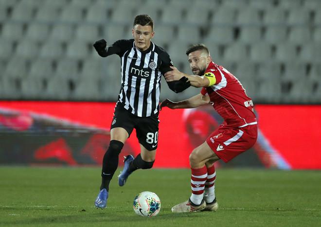 Stevanovic sẽ tiếp tục được MU choPartizan mượn thêm 1 mùa giải |Vua-the-thao