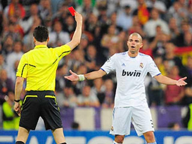 Sự nghiệp của Pepe gắn liền với những pha bóng quyết liệt. |JP88