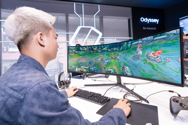 Trải nghiệm thực tế màn hình cong Samsung G7 và G9 tại sự kiện |ST666-VN-GAME