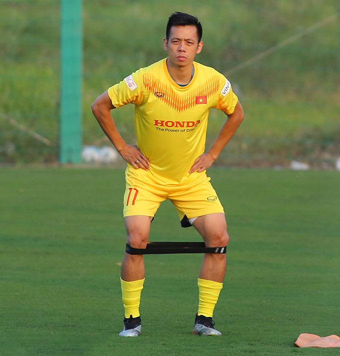 Văn Quyết nhường áo số 10 ở ĐT Việt Nam cho đàn em Công Phượng.