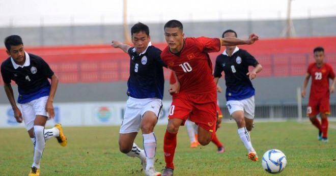 Cái Văn Quỳ (số 10) là cái tên được kỳ vọng sẽ là tương lai bóng đá Việt Nam |vua-the-thao