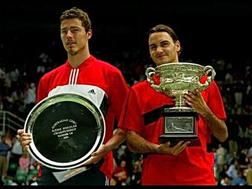"""Federer & năm 2004 huyền diệu: """"Đếm cúp"""" mỏi tay, lên ngay số 1"""