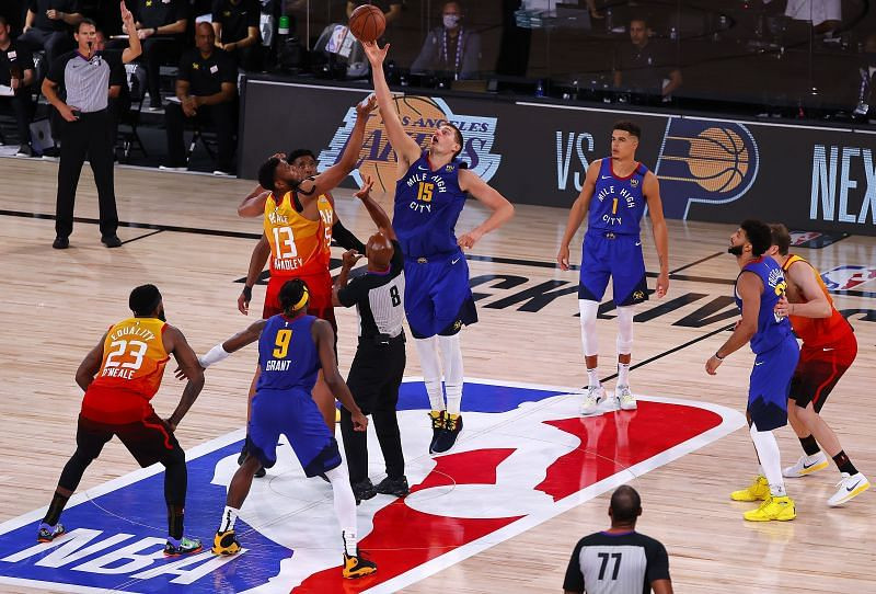 Denver Nuggets gặp Utah Jazz 4 lần mùa này và toàn thắng