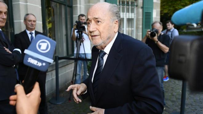 Người tiền nhiệm của Infantino - Sepp Blatter cũng từng phải từ chức vì sai phạm nhận hối lộ |JP88
