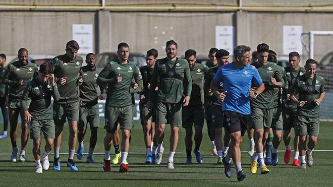 Real Betis có 3 cầu thủ nhiễm Covid-19 chưa được xác định danh tính. |JP88