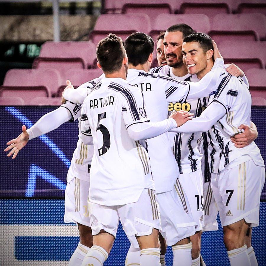 Ronaldo hoàn tất cú đúp bàn thắng ngay ở đầu hiệp 2