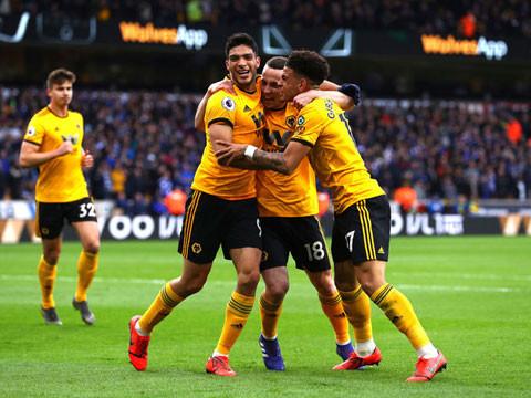 Wolves tạm vượt lên vị trí thứ 5 sau chiến thắng trước Aston Villa |JP88