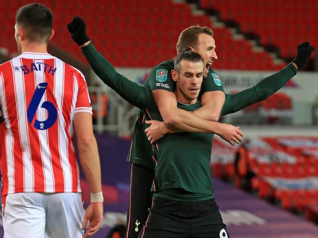 Bale chấn thương ở trận thắng Stoke City thuộc League Cup tuần trước