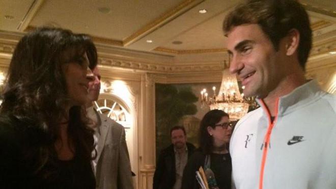 Đàn chị Gabriela Sabatini vẫn nhớ về ký ức gặp Federer trên đường phố ở Zurich.|JP88