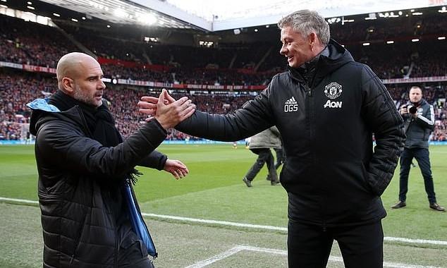Man Utd và Man City sẽ thiệt hại lớn nếu mùa giải không hoàn thành.  JP88