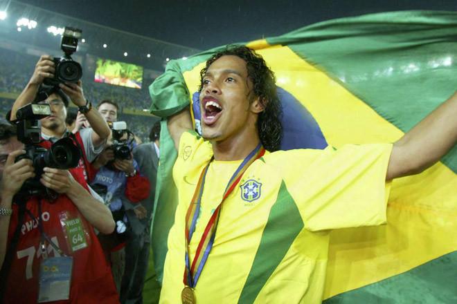 Ronaldinho từng ở rất gần với Man United
