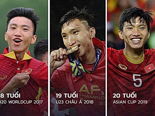 Văn Hậu trở về Việt Nam với chiếc áo V-League chật chội