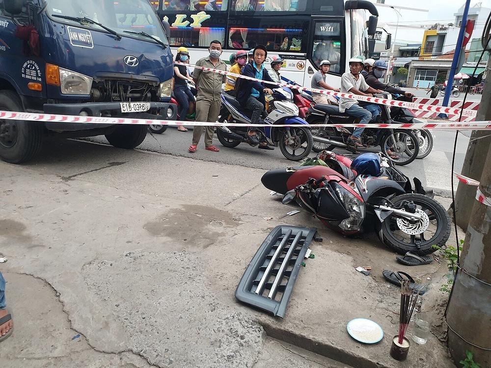 Chiếc xe máy tại hiện trường vụ tai nạn.  JP88
