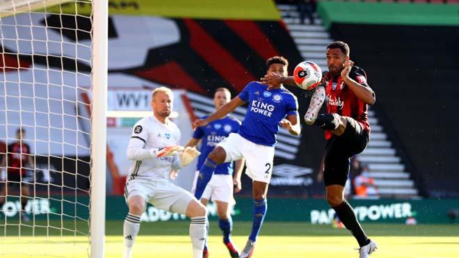 Leicester (áo xanh thẫm) thua thảm trên sân của Bournemouth |JP88