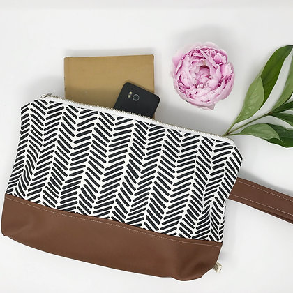 Herringbone | Medium Wristlet