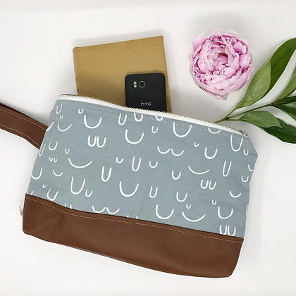 Wholesale Medium Clutch - Smoky Arches