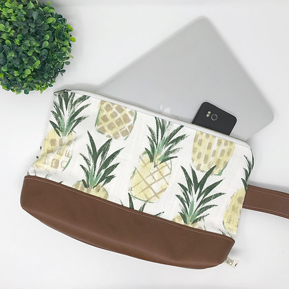 Pineapple | Medium Wristlet