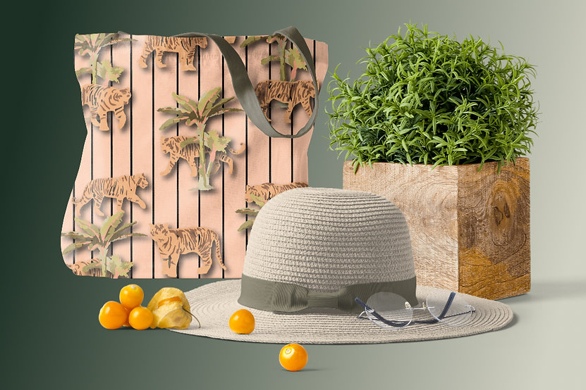 straw-hat-and-fabric-bag-fashion-scene.j