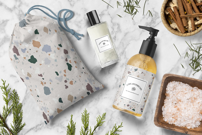 soap-bottle-and-cotton-pouch-mockup-scen