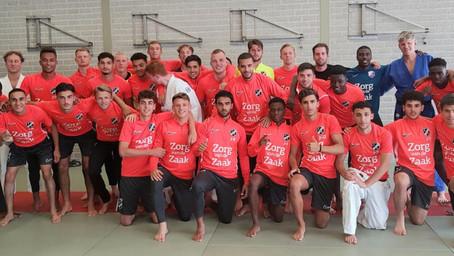 Jong FC Utrecht volgt judoclinic bij Top Judo Utrecht