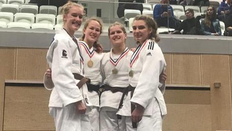 Copy of 2 bronzen medailles op NK judo dames tot 18 jaar