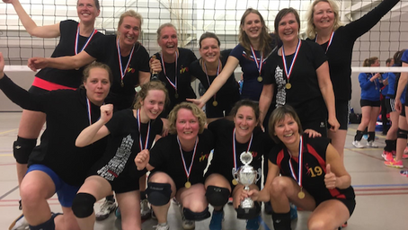 Ook de underdog kan winnen. Volleybal-Dames R1 wint de beker!