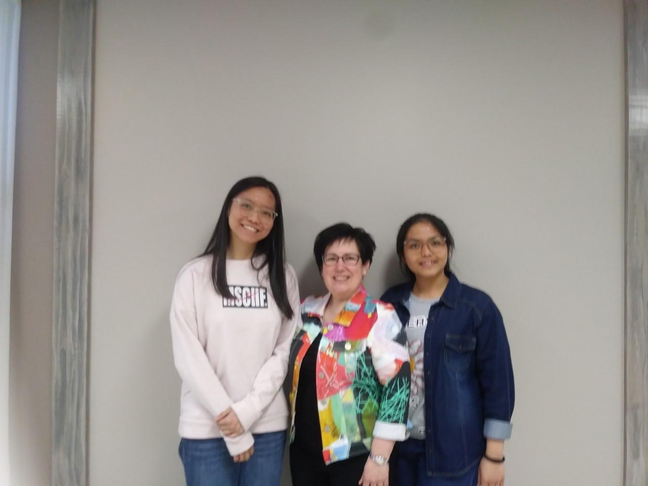 Estelle, Eunice et Sarah.jpg