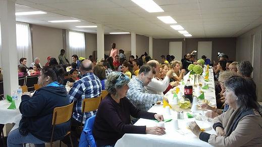 Diner multiculturelle.jpg