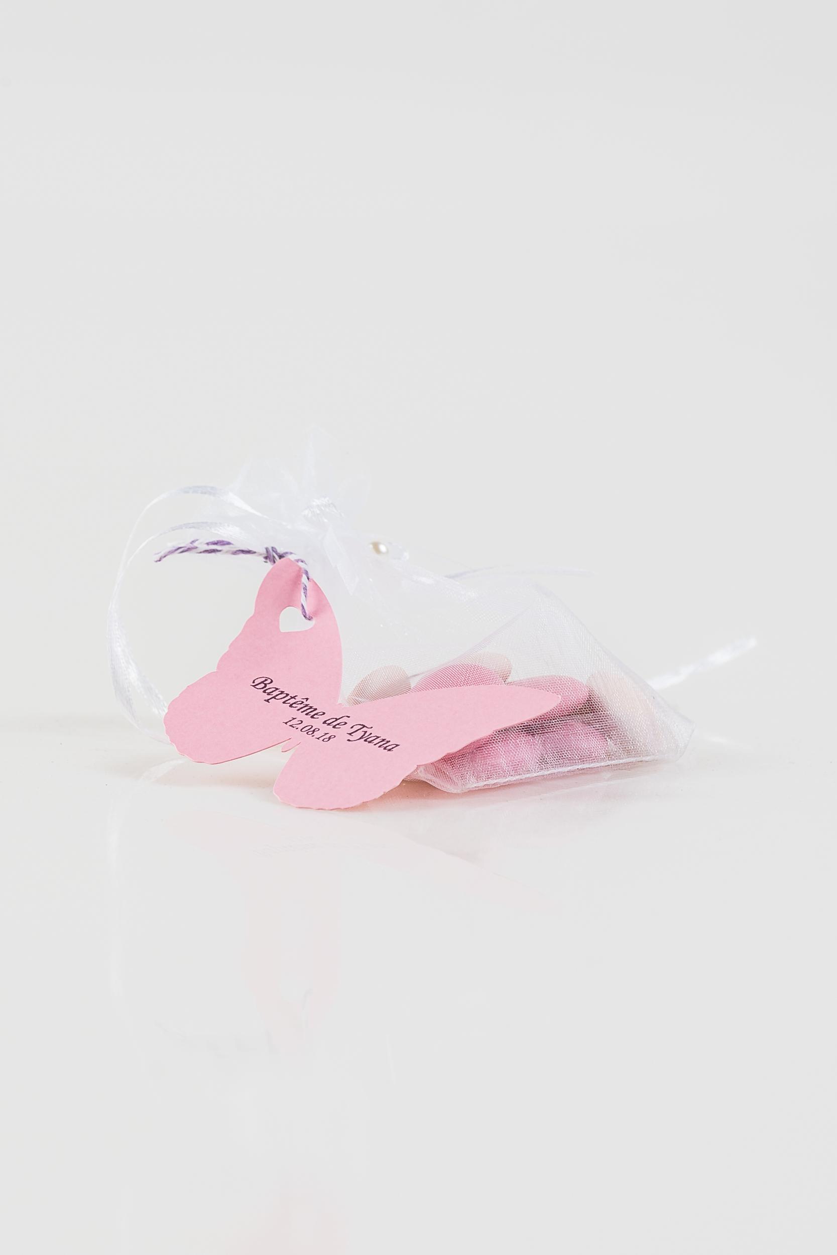 Étiquettes papillons pour dragées