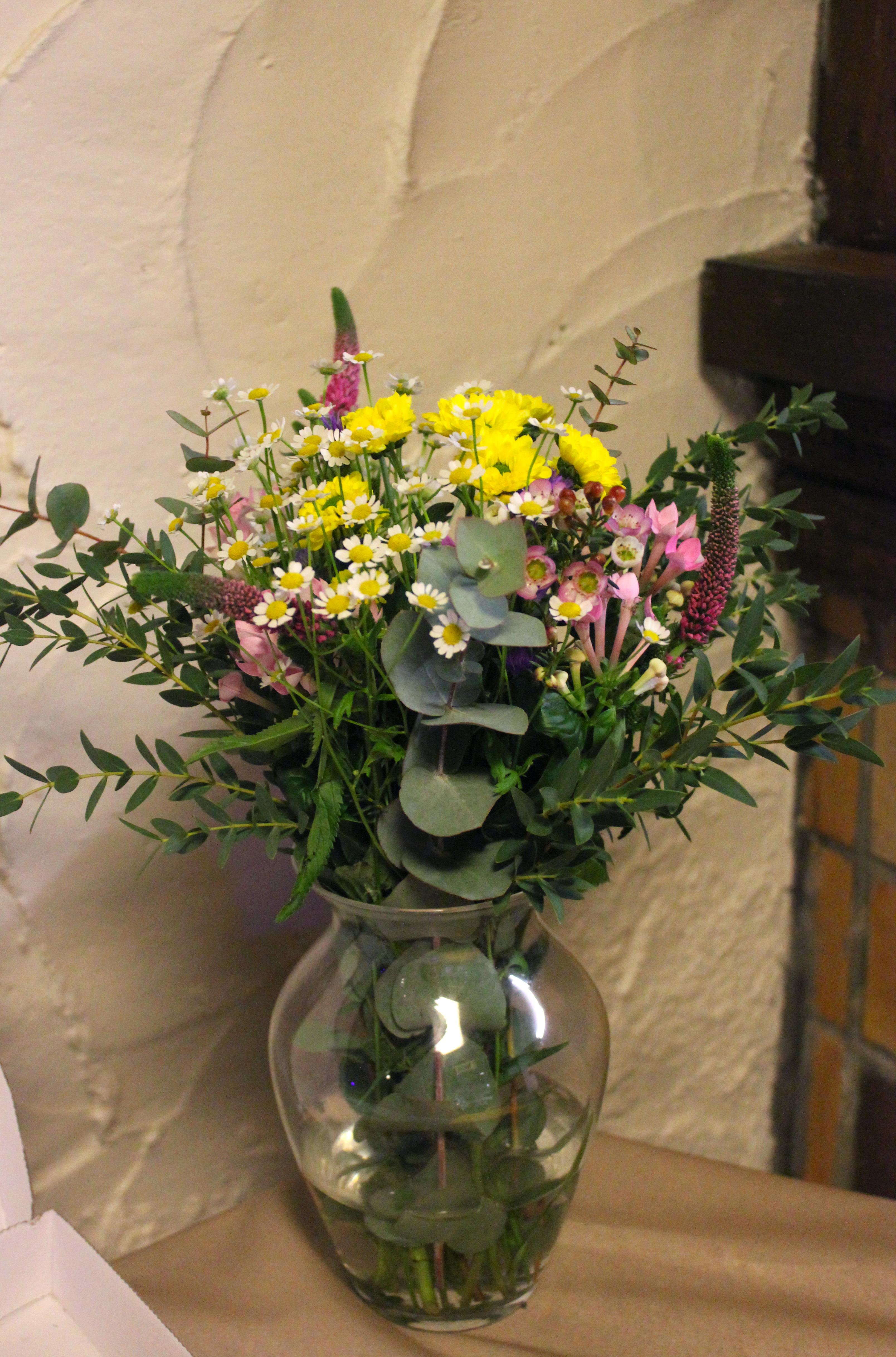 Bouquet sauvage de fleurs colorées