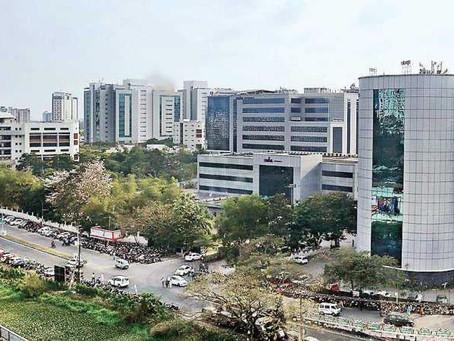 നിക്ഷേപർക്ക് ഒപ്പം കാക്കനാട്