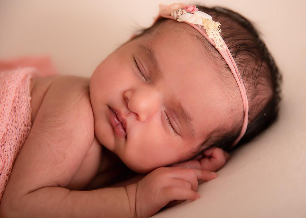 Seona Newborn (24).jpg