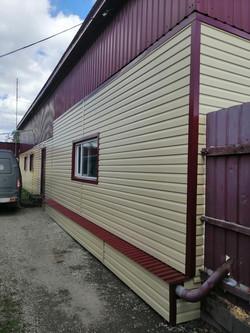 Фасад из металлосайдинга, без утепления
