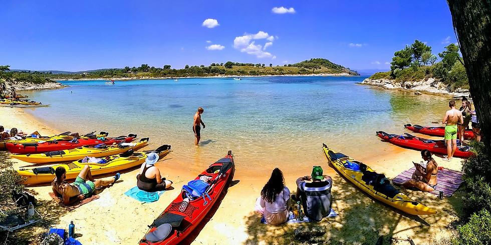 С каяк около остров Диапорос - Ситония