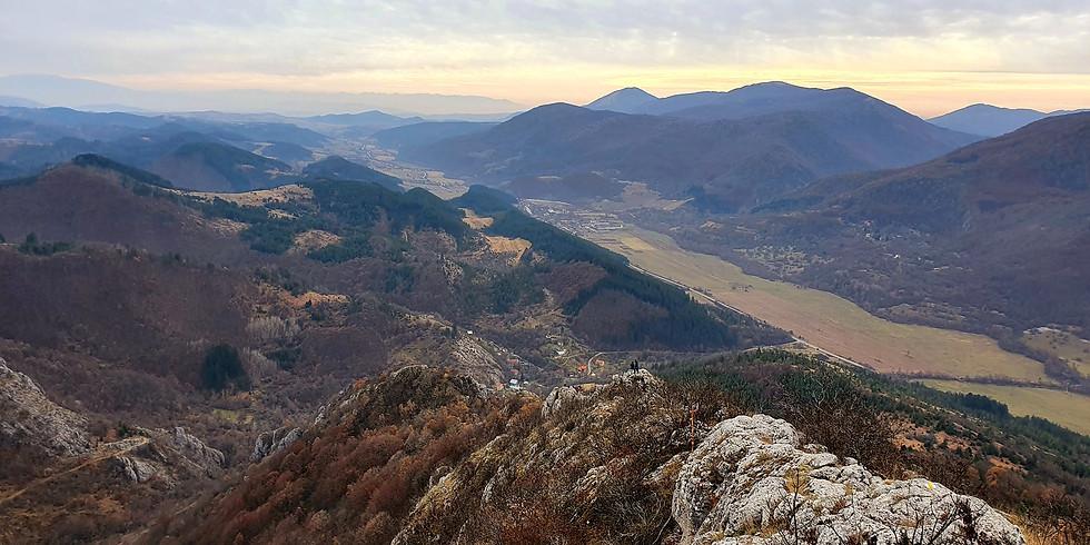 Драговски камък и храм кладенеца край село Гърло