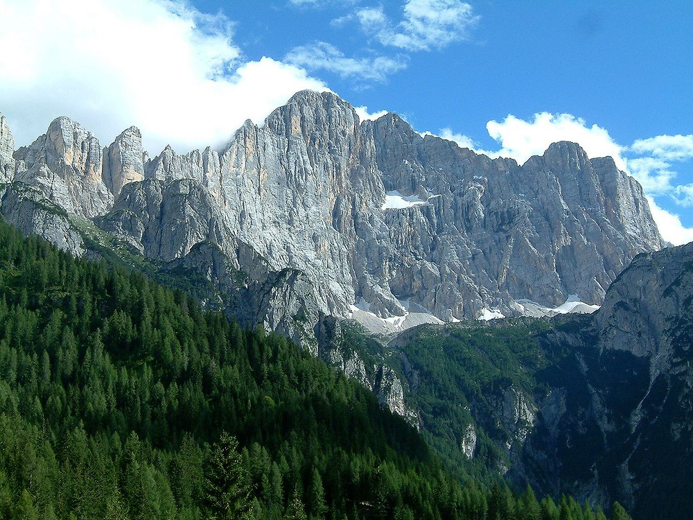 Source: https://upload.wikimedia.org/wikipedia/commons/4/40/Monte_Civetta.jpg
