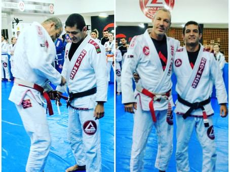 Professor Lucas Flores recebe seu 1° grau na faixa preta pelo Mestre Carlos Gracie Jr.