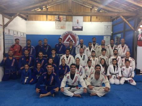 Seminário de Jiu Jitsu com Professor Lucas Flores e Silvana Flores na escola Gracie Barra Bombinhas