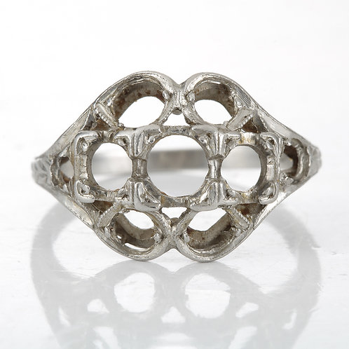 Antique Vintage engagement ring setting. Cluster style mounting. Platinum. Edwardian circa 1900. Estate ring.