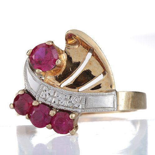 Vintage synthetic rubies and 14kt gold ring. Retro period mid 1900's.